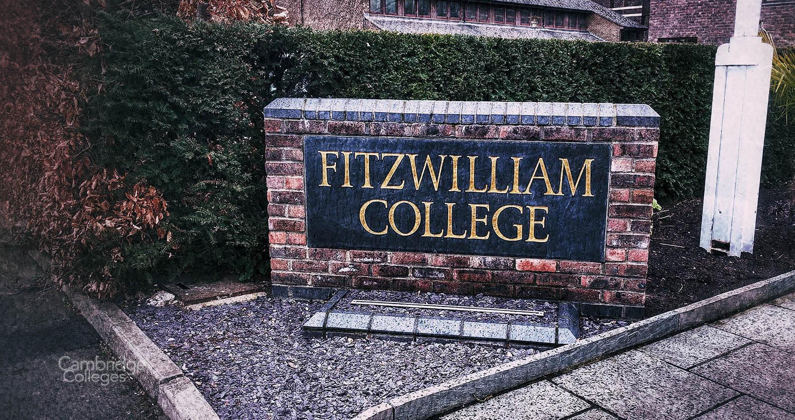 Fizwilliam college sign