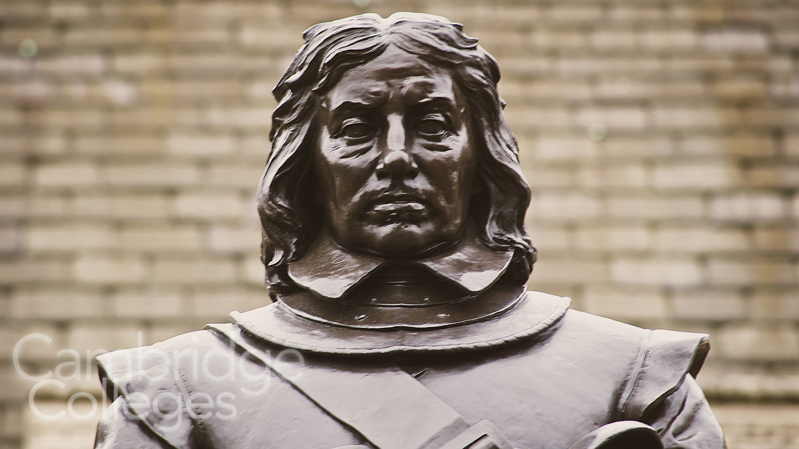 Oliver Cromwell statue By Steve Punter [CC BY-SA 2.0 (https://creativecommons.org/licenses/by-sa/2.0)], via Wikimedia Commons
