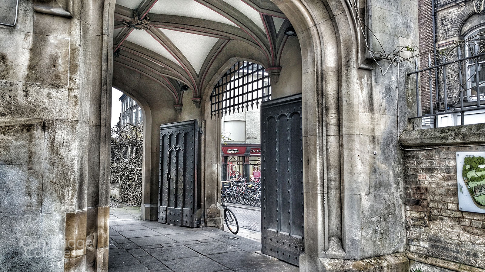 The gates of Sidney Sussex college, looking out onto Sidney Street